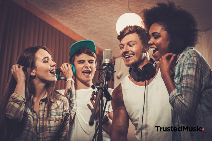 Tonstudio-Event-JGA-Kindergeburtstag-Teambuilding